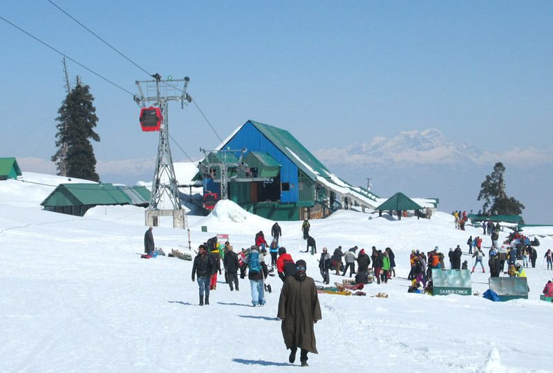 India's ski resorts glide through tourism slippery slope