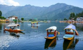 J&K L-G asks visiting tourists to be UT's goodwill ambassadors