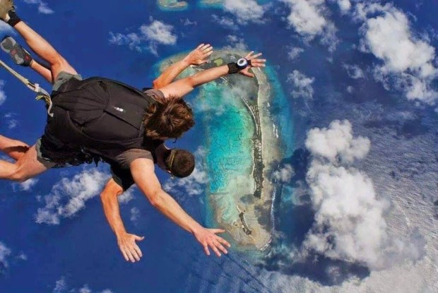 Kandima Maldives launches skydiving programme