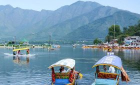 More and more tourists opting to visit Jammu and Kashmir for holidays