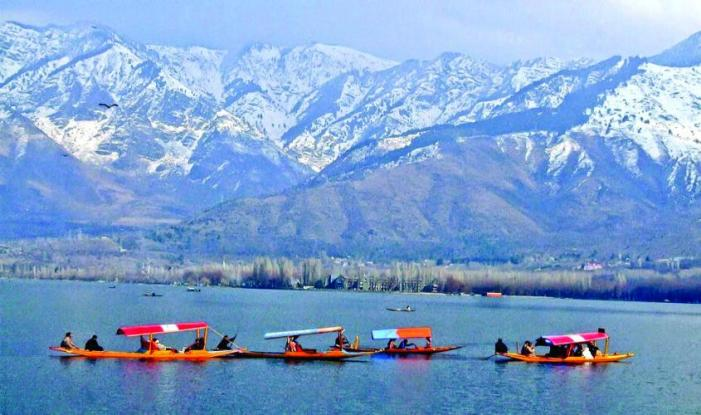 Jammu and Kashmir: Footfall of 10 lakh passengers at Srinagar Airport in 4 months