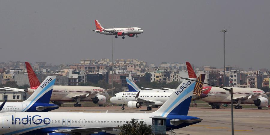 Govt orders airlines to restrict in-flight meals amid Covid-19 spike