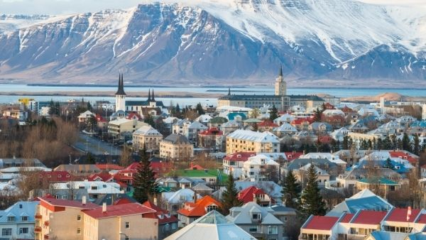 Iceland Eases COVID-19 Travel Restrictions For Vaccinated People